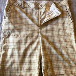 Under Armour Plaid Golf Shorts 36